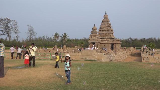 Mahabalipuram. Tamil Nadu. India-(by Milosh Kitchovitch)-34cs